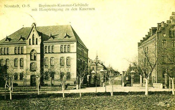 Stara pocztówka przestawiająca koszary Pruskie