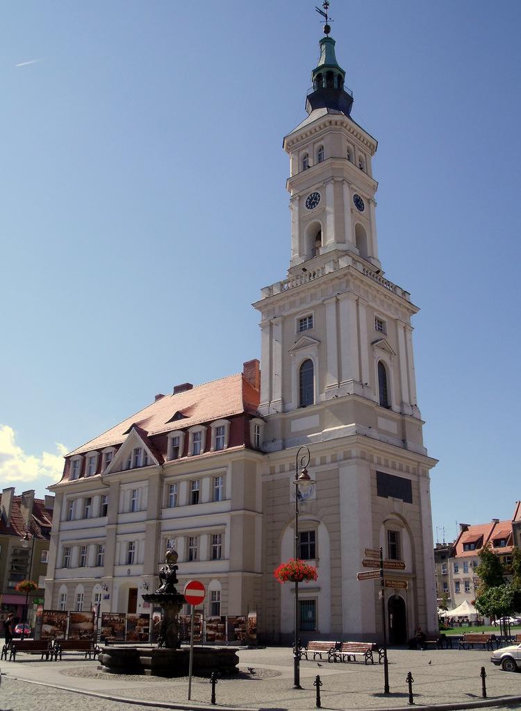 Ratusz na rynku w Prudniku